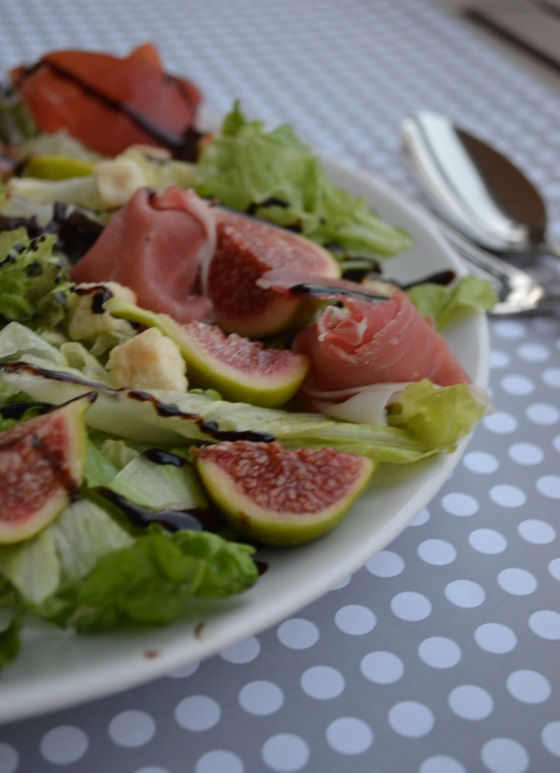 FRESH FIG PROSIUTTO SALAD
