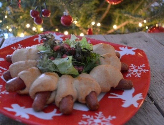Hot Dog Christmas wreath στεφάνι χριστουγεννιάτικο hot dog Γαβριήλ Νικολαΐδης cool artisan