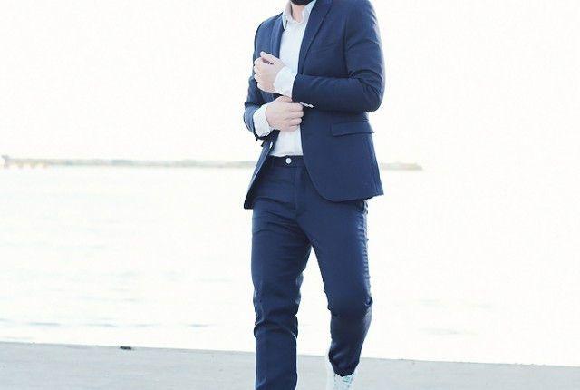street style man fashion blogger blue suit stan smith adidas shoes white shirt cool artisan Γαβριηλ Νικολαιδης