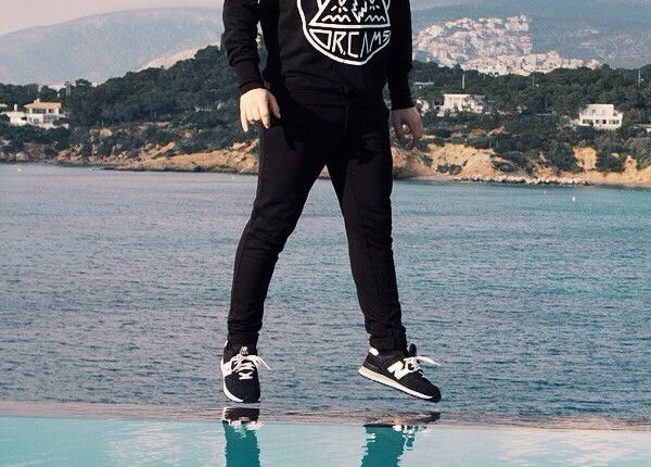 street style man fashion blogger mens style black outfit new balance asos topman cool artisan Γαβριηλ Νικολαιδης