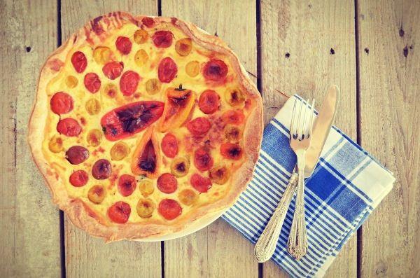 Spring tart with cherry tomatoes and peppers, recipe, τάρτα, συνταγή, πιπεριές, ντοματίνια, πολύχρωμα, τυρί, ζύμη τάρτας, cool artisan, Γαβριήλ Νικολαΐδης