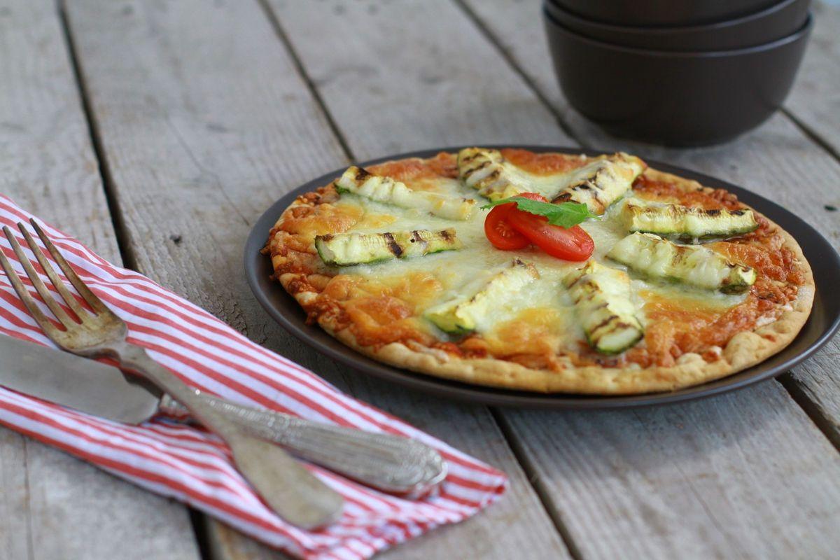 Zucchini, Mozzarella Pizza Recipe, tomato sauce, ham, turkey, homemade dough, καλύτερη σπιτική ζύμη για πίτσα,εύκολη, κολοκυθάκια,μοτσαρέλα, γαλοπούλα, cool artisan