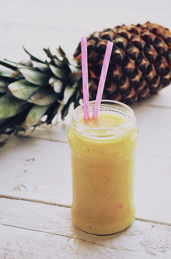pineapple detox smoothie, pinterest, food blog, photography, food styling, recipe,
