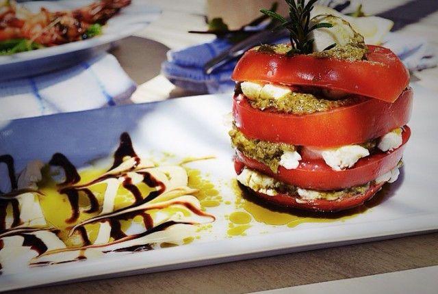 greek traditional recipe, andros, salad, σαλάτα, συνταγή, Άνδρος, Aegea hotel, shripms, lamp, lemon, γαρίδες, αρνάκι, γαβριήλ Νικολαΐδης,cool artisan