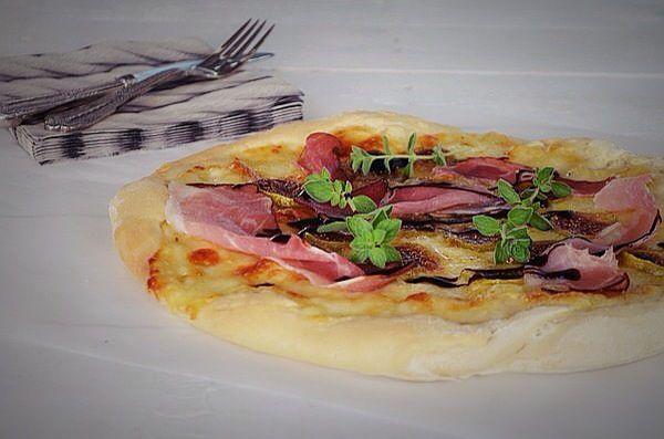 ζύμη πίτσας, συνταγή, πετυχαίνει πάντα, με μαγειά, εύκολη, πίτσα με προσούτο, σύκα, fig, pizza, recipe, prosciutto