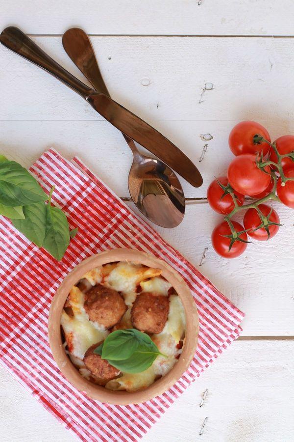 pasta, recipe, easy, fast, tomato sauce, meat balls, swedish, parmesan, συνταγή, πένες, ζυμαρικά, γιουβέτσι, κεφτεδάκια, κόκκινη σάλτσα, ντομάτας