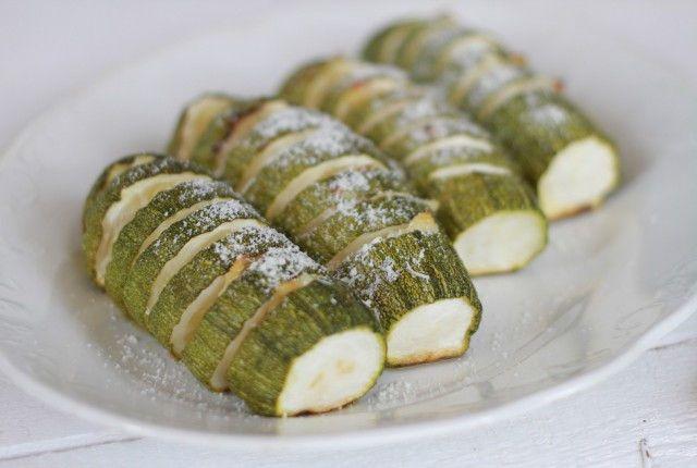Hasselback Zucchini with Garlic Thyme Butter and Parmesan Recipe, συνταγή, κολοκυθάκια, στο φούρνο, βούτυρο, θυμάρι, παρμεζάνα, χασελμπακ, Γαβριήλ Νικολαΐδης, cool artisan 3