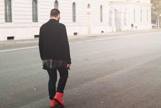 Man fashion blogger, street style, best fashion blog 2014 2015, mens style, guy, lee jeans, 8 clothinng, black cardigan, trends, vest, red sneakers, shoes, denim shirt, prada, cool artisan, Γαβριήλ Νικολαΐδης
