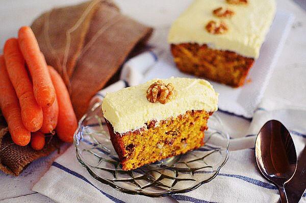 Carrot Cake with Cream Cheese Frosting Recipe, walnuts, ginger, classic, συνταγή, κέικ καρότο, τυρί κρέμα, επικάλυψη, γλάσο, καρύδι, τζίντζερ, food blog, food styling, cool artisan, Γαβριήλ Νικολαΐδης