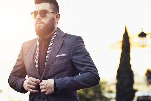 man, guy, street, fashion, blog, style blogger,suit, grey, gray, black shirt, black tie, trends 2015, spring, summer, menswear, rayban, clubmaster, streetstyle, zara, office