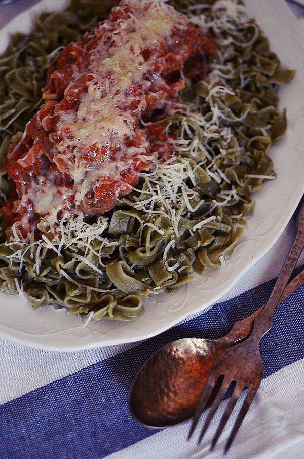 ελληνική, συνταγή, κοκκινιστό, μοσχάρι, ταλιατέλες, ζυμαρικά, σάλτσα ντομάτας, κόκκινο κρασί, παρμεζάνα, veal, red wine, tomato sauce, pasta, greek recipe, cool artisan