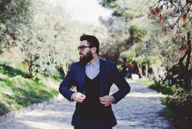 man, guy, street, fashion, blog, style blogger,suit,gray,shirt, black tie, trends 2015, spring, summer, menswear, streetstyle, zara, office, cobalt blue, cufflinks. SWEATER, cool artisan, Γαβριηλ Νικολαΐδης, mens style, 2015, spring, summer