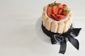 cake charlotte strawberry, COOL ARTISAN, easy, συνταγή, σαβαγιάρ, φράουλα, Γαβριήλ Νικολαΐδης, γιαούτι, ζελατίνη, κρέμα, μασκαρπόνε, recipe, simple