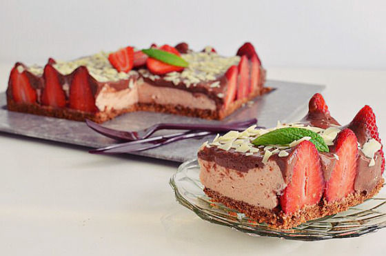 Butter, Chocolate and Strawberry Cheesecake Recipe, cookies base, COOL ARTISAN, easy, flourless, συνταγή, σοκολάτα, τσιζκέικ, τυρί κρέμα, φράουλες, Γαβριήλ Νικολαΐδης, ζελατίνη, λάιμ, μασκαρπόνε, lime, MASCARPONE, simple