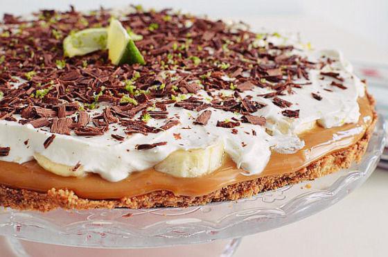 Chocolate Lime Banoffee Pie, COOL ARTISAN, digestive, Dulce de leche, συνταγή, σαντιγί, σοκολάτα, Γαβριήλ Νικολαΐδης, βάση μπισκότου, βούτυρο, ζαχαρούχο γάλα, κρρέμα γάλακτος, καραμέλα, κουβερτούρα, λάιμ, μπανόφι, μπανάνα, lime, recipe