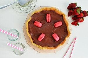 Chocolate Strawberry Jam Tart Recipe, COOL ARTISAN, σοκολάτα, τάρτα, φράουλα, απλή συνταγή, βάση, γλυκιά, κρέμα γάλακτος, μαρμελάδα, μακαρόν