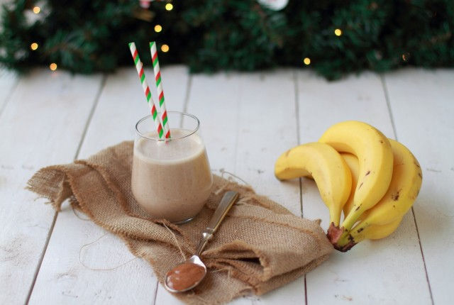 smas smoothie banana almond milk peanut butter, smoothie, christmas breakfast
