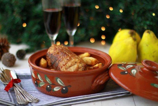 ρολό κοτόπουλο με κυδώνια, πατάτες, γάστρα