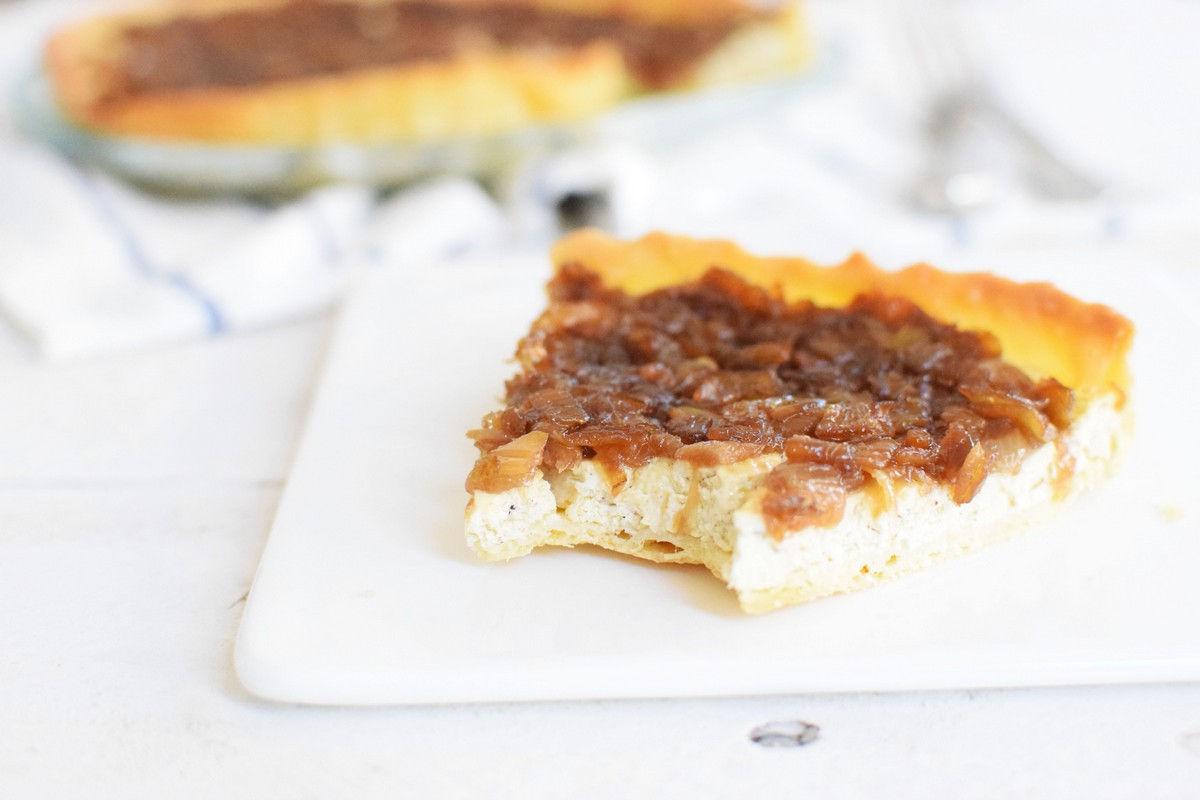 tart, dough tart, caramelised onions, onions, cream cheese, cheese, recipe