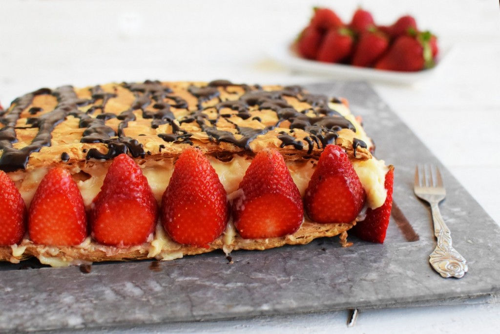 flaky pastry, cream, strawberries, cake, dessert, recipe