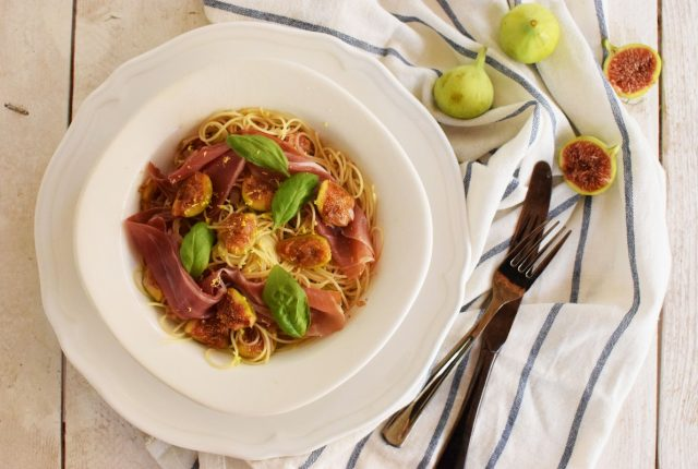 Pasta With Figs and Prosciutto Recipe, cool artisan, simple, italian, saveur, food styling, food blog awards, winner, love, worlds best, rich flavor