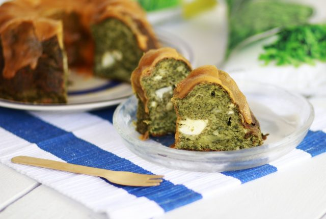 recipe, savoury, cake, spinach, brocolli, feta cheese, cheddar, mparmpasthathis , συνταγή. μπαρμπα στάθης, food blogger, αλμυρό κέικ, σπανάκι, μπρόκολο