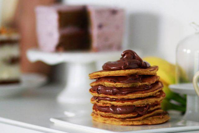 pancakes, VEAGAN PANCAKES, BANANA AND PUMPKIN PANCAKES, ΚΟΛΟΚΥΘΑ, ΜΠΑΝΑΝΑ, ΠΡΩΙΝΟ, COOLARTISAN, ΕΥΚΟΛΗ ΣΥΝΤΑΓΗ, EASY RECIPE, NUTELLA, ΣΟΚΟΛΑΤΑ