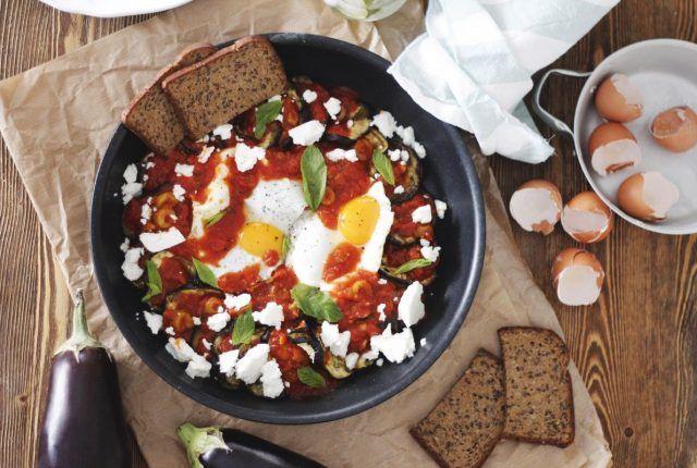 _MG_1793 μελιτζάνες με σάλτσα τομάτας και αυγά
