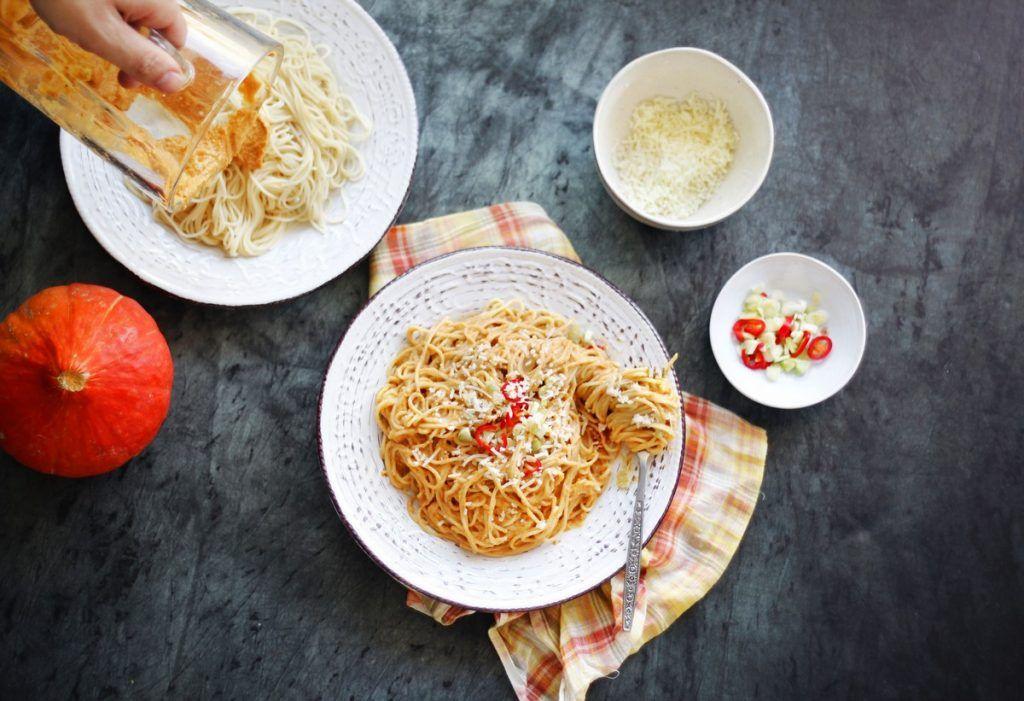 Spaghetti with pumpkin sauce (1)